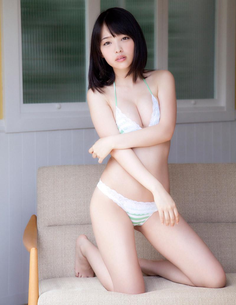 安藤遥さんの水着